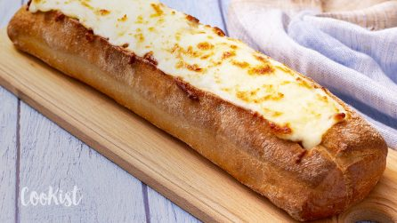Lasagna bread boat: your savory dreams just came true with this recipe!