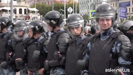 Oltre 300 arresti a manifestazione dell'opposizione a Mosca