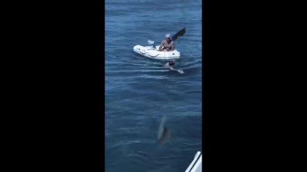 Ilary Blasi invita un paparazzo a bordo del suo yacht