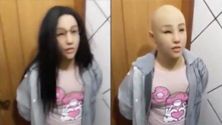 Si traveste da sua figlia per evadere dalla prigione: le immagini assurde