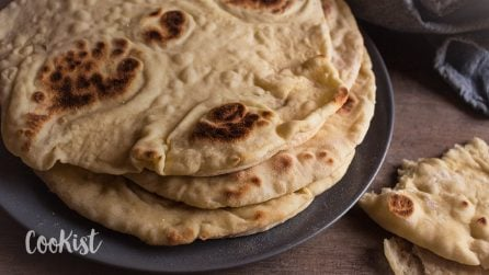 Easy flatbread recipe: how to make it at home with simple ingredients!
