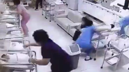 Violenta scossa di terremoto: le infermiere salvano i neonati