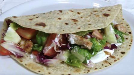 Piadina farcita e gustosa: la ricetta ideale per un pranzo o cena veloci