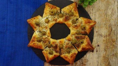 Stella di pasta sfoglia al salmone: una ricetta super veloce per un aperitivo facile e gustoso!