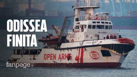 Open Arms, tutti i migranti sbarcati a Lampedusa: urla di gioia e applausi sulla nave