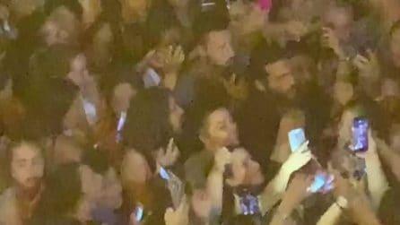 Can Yaman a Napoli, l'hotel preso d'assalto dalle fan