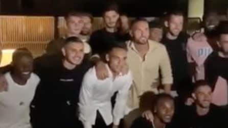 """Icardi alla festa di Lautaro insieme ai compagni, Wanda pubblica video: """"I ragazzi dell'Inter"""""""