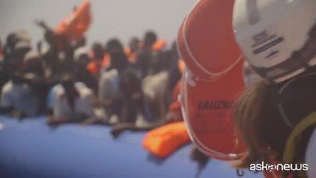 Ocean Viking, salvati altri 105: a bordo migranti diventano 356