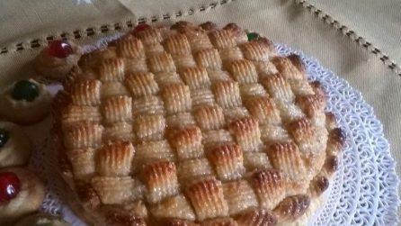 Torta delizia alle mandorle: un dolce bello da vedere e delizioso
