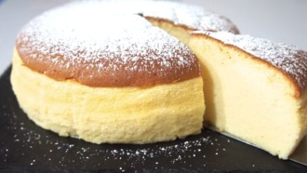 Cheesecake giapponese: la ricetta del dessert più soffice di sempre