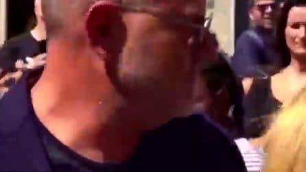 """""""Facciamo un selfie veloce?"""", la richiesta choc a Giulio Golia durante i funerali di Nadia Toffa"""