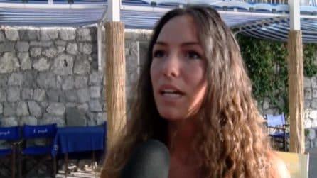 Donna in preda alle doglie sale sul bus senza biglietto: multata e fatta scendere dal mezzo