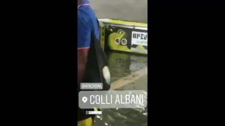 Maltempo a Roma, dopo il temporale si allaga la fermata della metro di Colli Albani