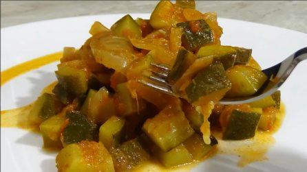 Zucchine al pomodoro in padella: la ricetta salva cena da preparare in pochi minuti