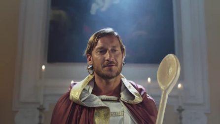 "Francesco Totti è San Pupone per Romolo + Giuly 2: ""Torni e glie fai er cucchiaio"""