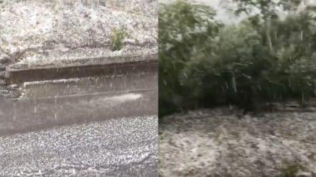 Maltempo Italia, intensa grandinata e forti temporali: le immagini