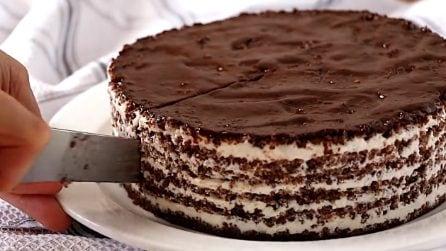 Non occorre cottura nel forno: la torta ideale per colazione o spuntino