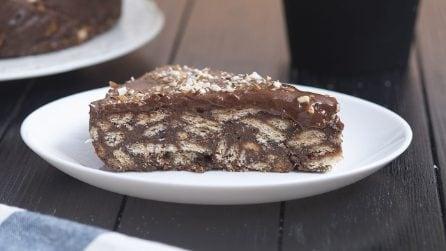 Torta salame di cioccolato: senza cottura, golosa e pronta con soli 5 ingredienti!