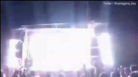 Spagna, tragedia sul palco a Madrid: popstar muore colpita da un fuoco d'artificio