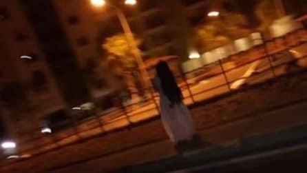 Lo scherzo di Samara finisce male: viene fermata e picchiata a Taranto