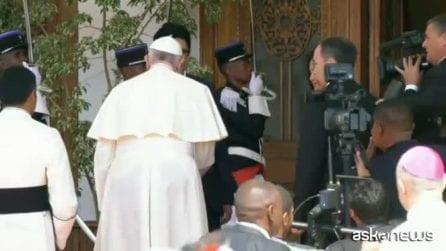 Papa Francesco in Madagascar, incontro col presidente Rajoelina