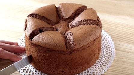 Pan di spagna al cioccolato: la ricetta per averlo alto e soffice