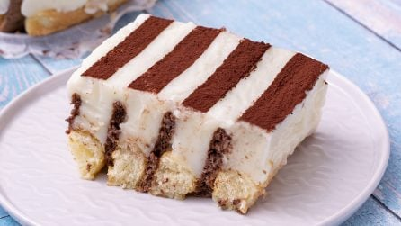 Genius cake: a creamy dessert made with biscuits and ladyfingers!