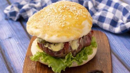Burger al formaggio: una vera goduria per occhi e palato!