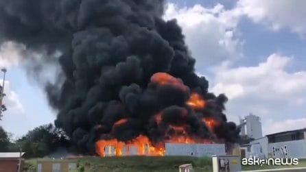 Avellino, violenta esplosione in una fabbrica di batterie auto