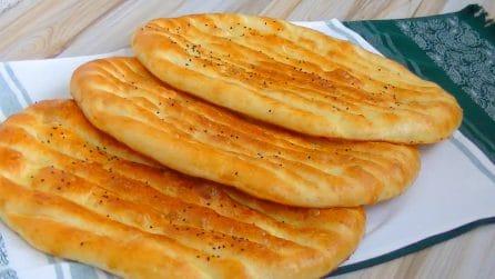 Focacce turche soffici e semplici da preparare: a tavola farete un figurone