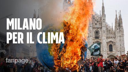"""Milano, più di centomila studenti in piazza per il clima: """"Lottiamo per il nostro futuro"""""""