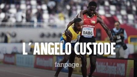 Mondiali di atletica: Busby crolla a terra, Dabó lo rialza e lo accompagna al traguardo
