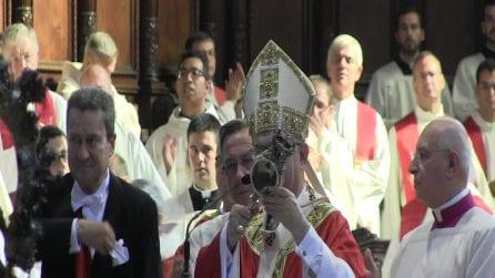 Napoli, il Miracolo di San Gennaro: il sangue si scioglie nell'ampolla