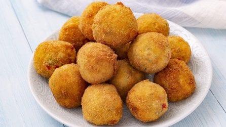 Palline di patate e peperoni filanti: andranno a ruba in pochi minuti!