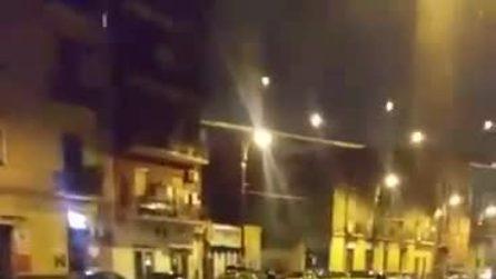 Maltempo a Napoli, bomba d'acqua sulla città: strade allagate