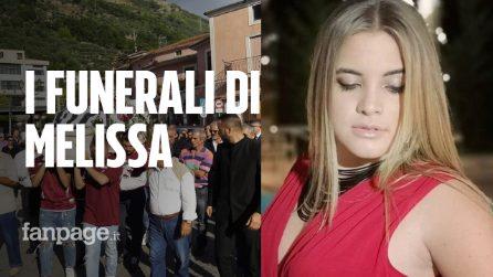 """L'ultimo saluto a Melissa, la studentessa morta in classe: """"Mancherai a tutti noi"""""""