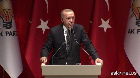 Erdogan minaccia l'Ue: pronti a spedirvi 3,6 milioni di rifugiati