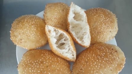 Frittele con semi di sesamo: una ricetta semplice e buonissima