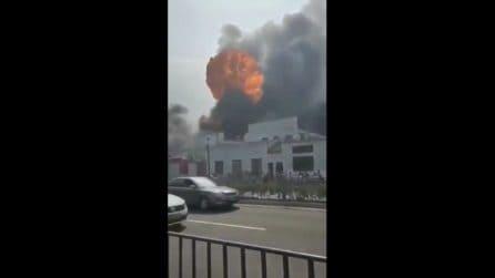 Incendio spaventoso in una fabbrica in Cina: 19 morti