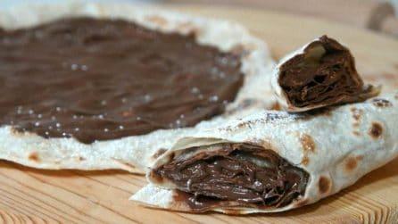 Pizza senza lievito cotta in padella: deliziosa e leggera