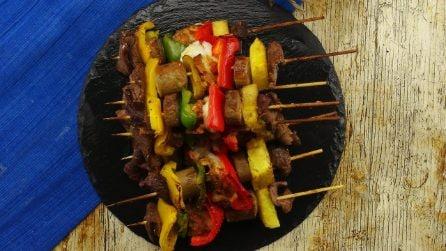 Spiedini di carne: il metodo geniale per prepararli in 5 minuti!
