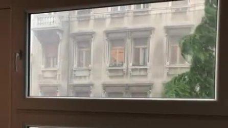 Nubifragio a Trieste, bomba d'acqua mette in ginocchio la città