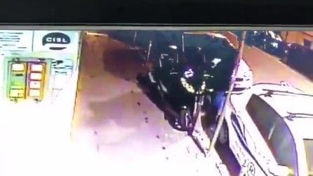 Napoli, scooter rubato a Materdei: per il furto basta un minuto e mezzo