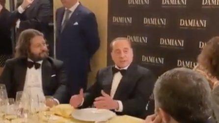 """Berlusconi festeggia i suoi 83 anni e racconta una barzelletta sul """"membro"""" dell'asino"""