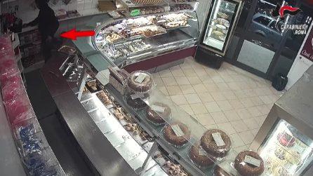 Fratelli rapinatori in manette: tre colpi in quattro mesi in un negozio di dolciumi