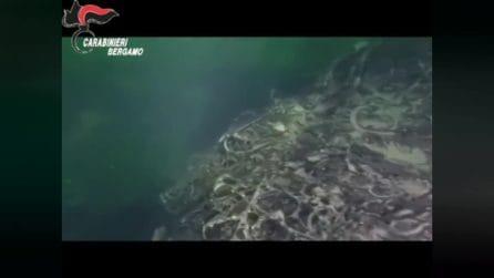 Montagna di rifiuti sul fondo del Lago d'Iseo: le immagini girate dai sub durante l'ispezione