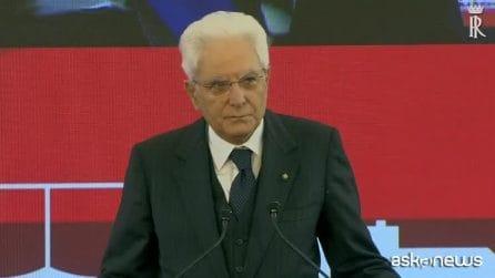 A Napoli Mattarella ricorda gli agenti uccisi a Trieste