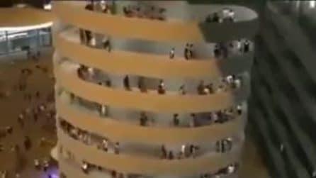 Le scale di San Siro sembrano muoversi: l'effetto ottico è incredibile