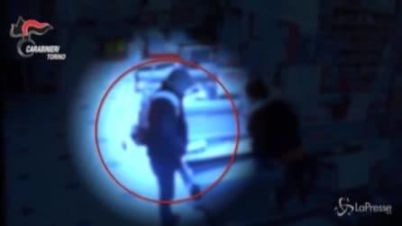 Torino, armato di forbici rapina un supermercato
