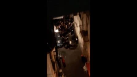 A Napoli folla di giovani davanti ai bar in strada e feste in casa nonostante il Covid